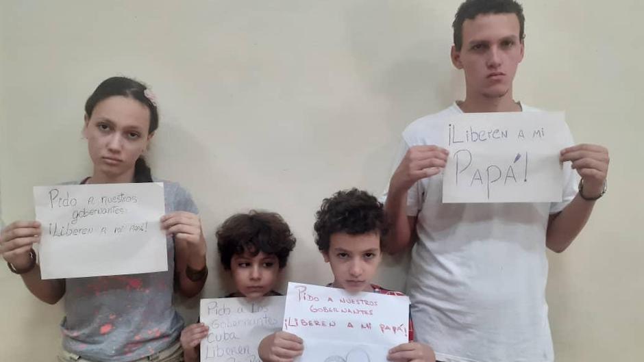 Los hijos de Yéremi Blanco y Yarián Sierra piden la liberación de sus padres, detenidos desde el domingo 11 de julio. |#|