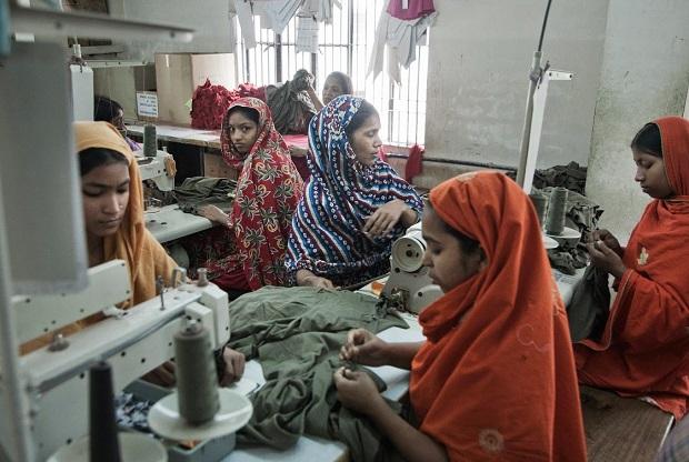<p> F&aacute;brica de textil en Bangladesh. / Clean Clothes Campaign</p> ,