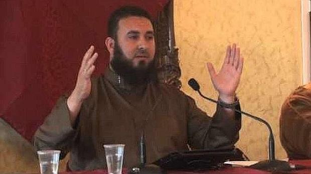 <p> Malik Ibn Benaisa, en una de sus intervenciones./ Youtube</p> ,