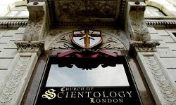 <p> Templo de la Iglesia de la Cienciolog&iacute;a, en Londres. / Guardian</p> ,