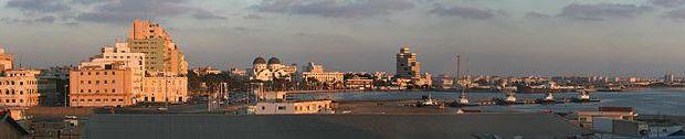 <p> Panor&aacute;mica de la ciudad de Benghazi. / Wikimedia</p> ,