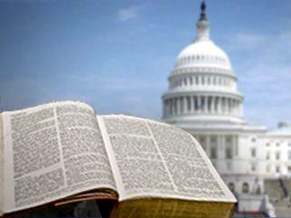 <p> Biblia abierta ante el Capitolio / Mundo Cristiano</p> ,