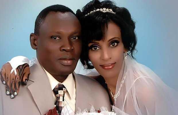 <p> Daniel Wani y&nbsp;Meriam Ibrahim, el d&iacute;a de su boda.</p> ,