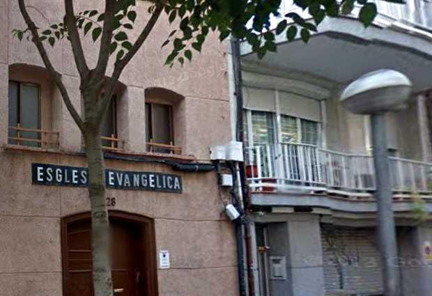 <p> Fachada de la Esgl&eacute;sia Protestant Betel, en la calle Orient 28, L&acute;Hospitalet (Barcelona) / Street View</p> ,