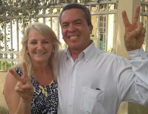 <p> Jos&eacute; Dilson, misionero brasile&ntilde;o, feliz tras la sentencia exculpatoria. / APMT</p> ,