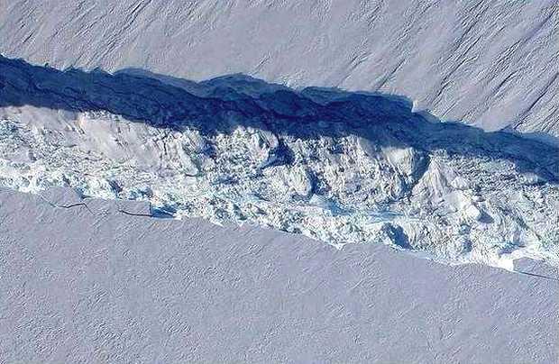 <p> Imagen de la fractura en el hielo de la Ant&aacute;rtida / NASA</p> ,