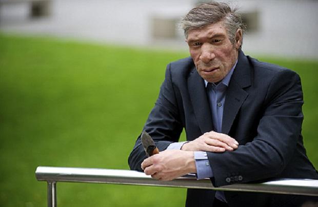 <p> Recreaci&oacute;n de un neandertal del siglo XXI, en el Neandertal Museum de Dusseldorf (Foto: H. Neumann).</p> ,